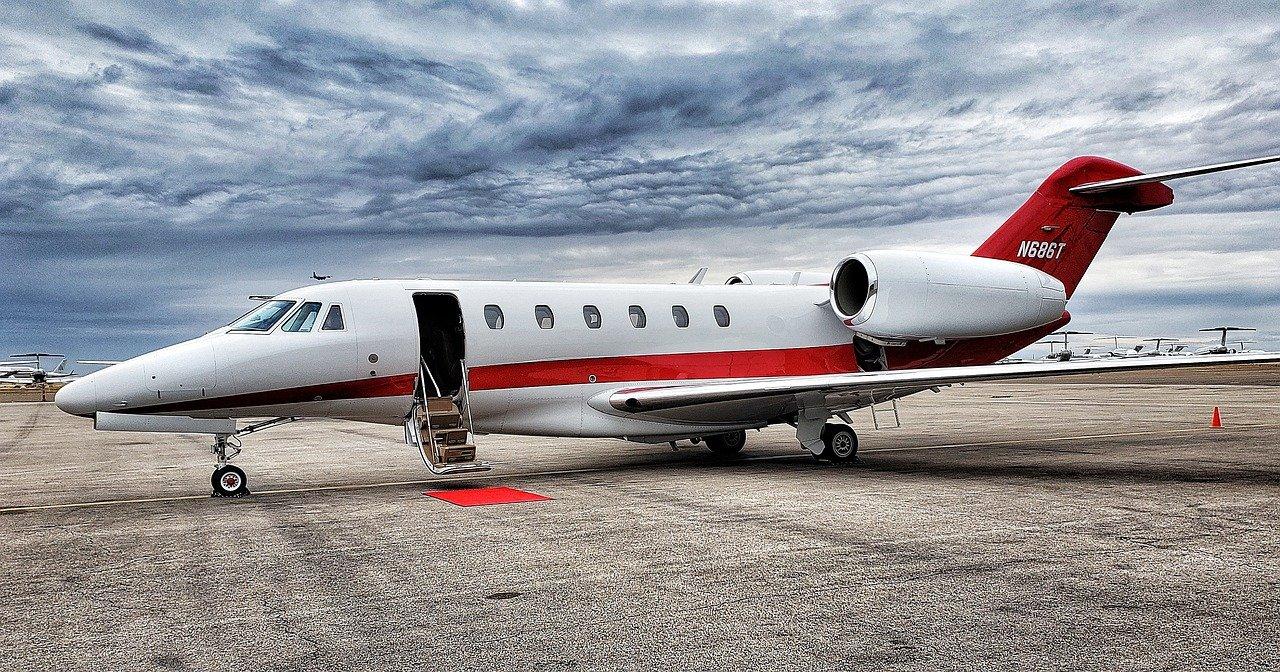 Obalamy mity dotyczące wynajmu prywatnych samolotów